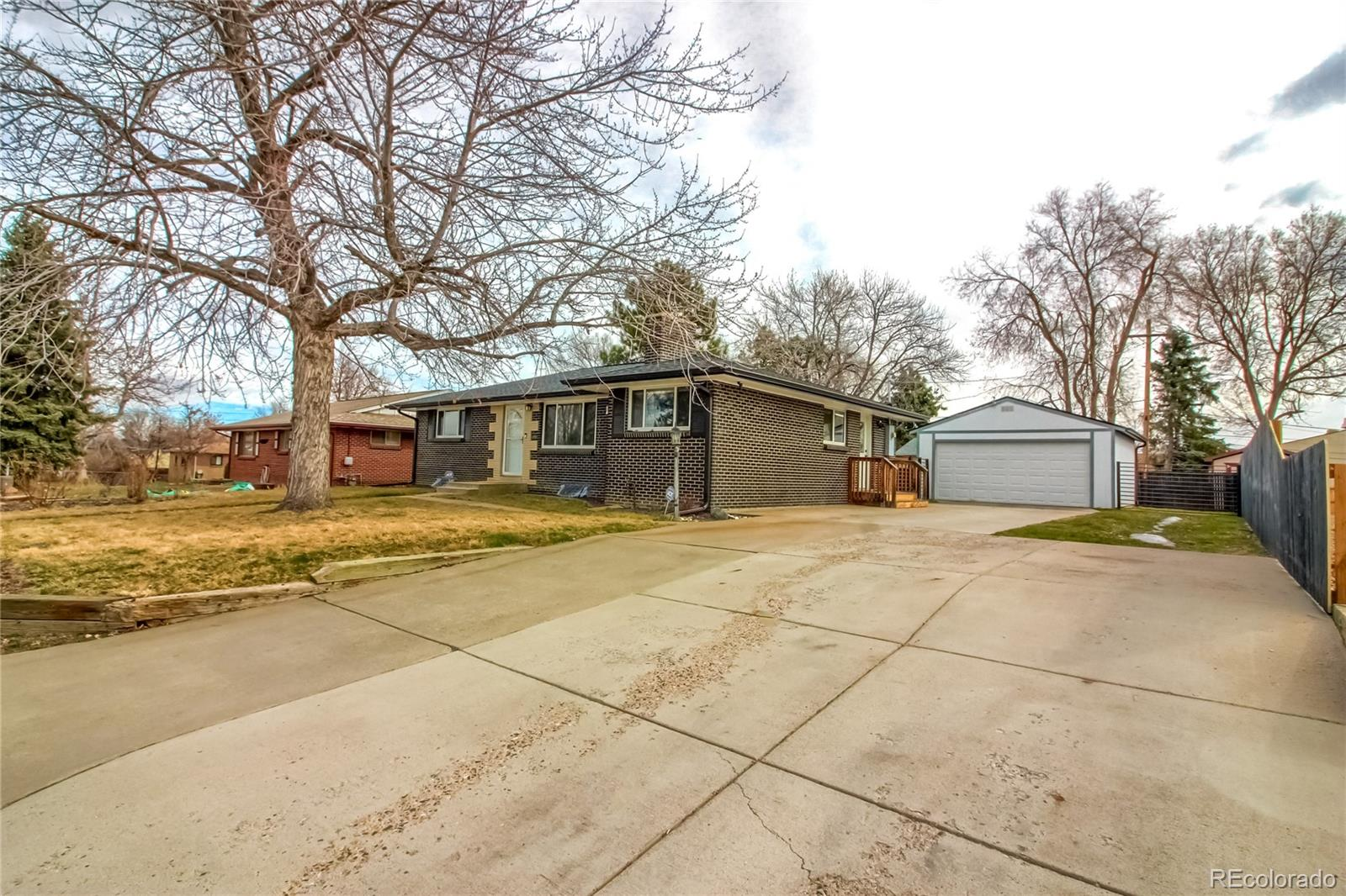 MLS# 5923715 - 2 - 1830 Lee Street, Lakewood, CO 80215