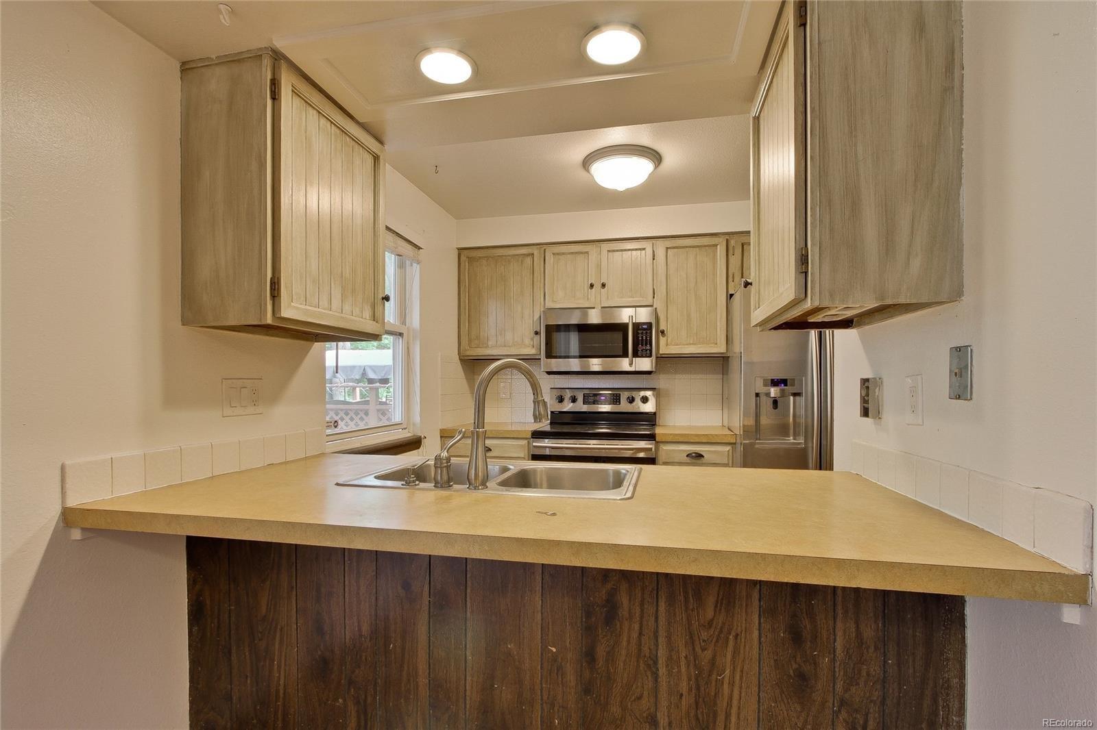 MLS# 6212280 - 1320  Dogwood Lane, Longmont, CO 80501