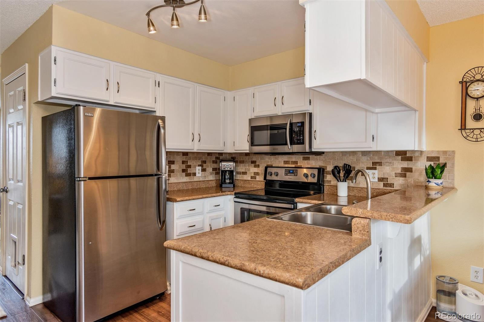 MLS# 6379353 - 9 - 8846 W Dartmouth Place, Lakewood, CO 80227