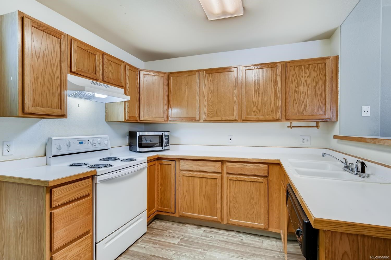 MLS# 7435178 - 9 - 3926 Christy Heights, Colorado Springs, CO 80906