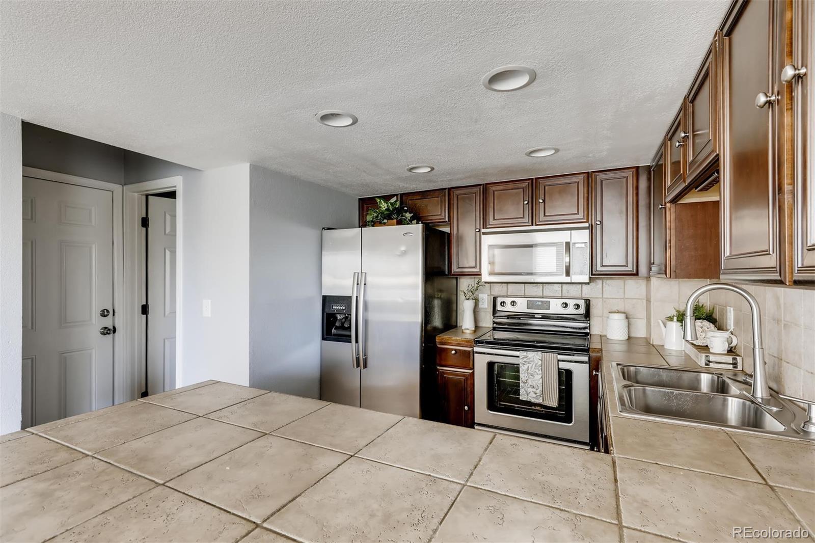 MLS# 7445656 - 11 - 1710 W 101st Avenue, Thornton, CO 80260