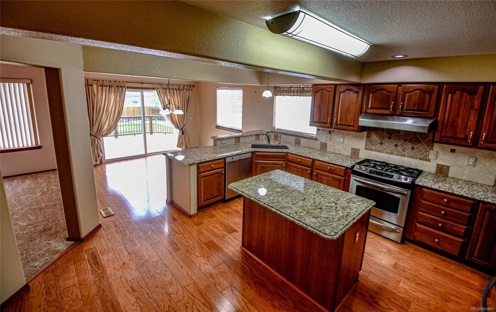 MLS# 8037968 - 3 - 6565 W 99th Avenue, Westminster, CO 80021