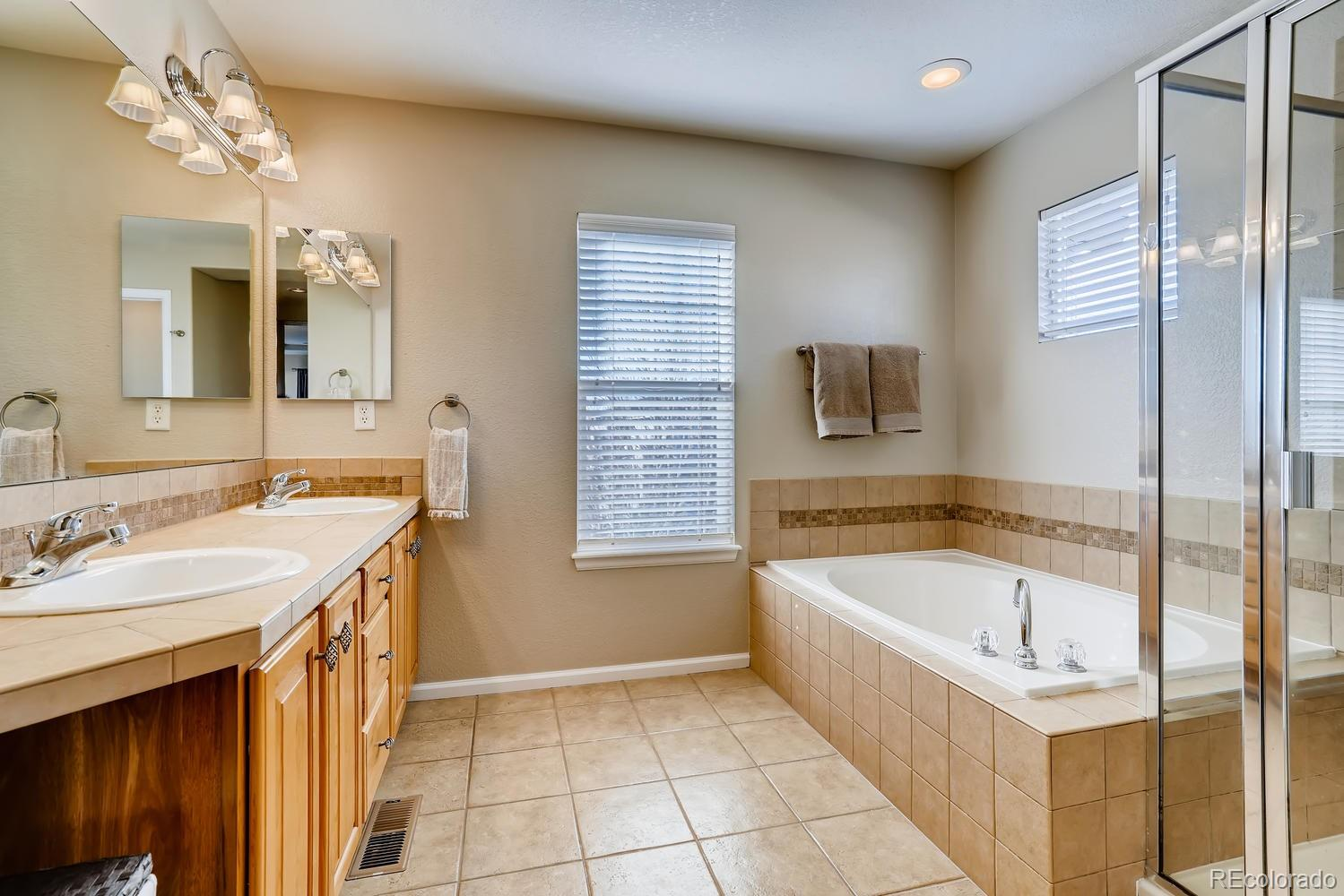 MLS# 8227370 - 16 - 10562 Atwood Circle, Highlands Ranch, CO 80130