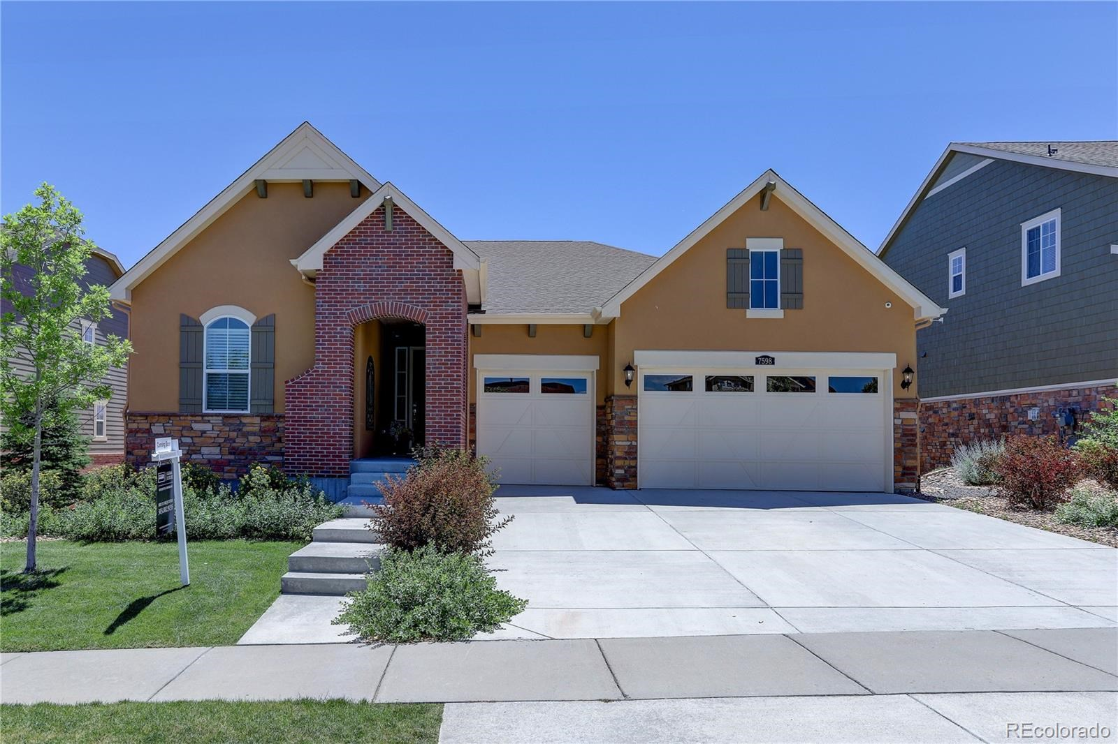 MLS# 8545425 - 2 - 7598 S Country Club Parkway, Aurora, CO 80016