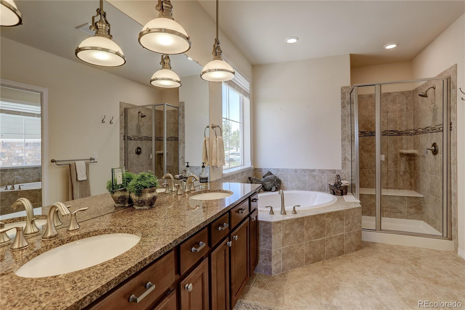 MLS# 8545425 - 19 - 7598 S Country Club Parkway, Aurora, CO 80016