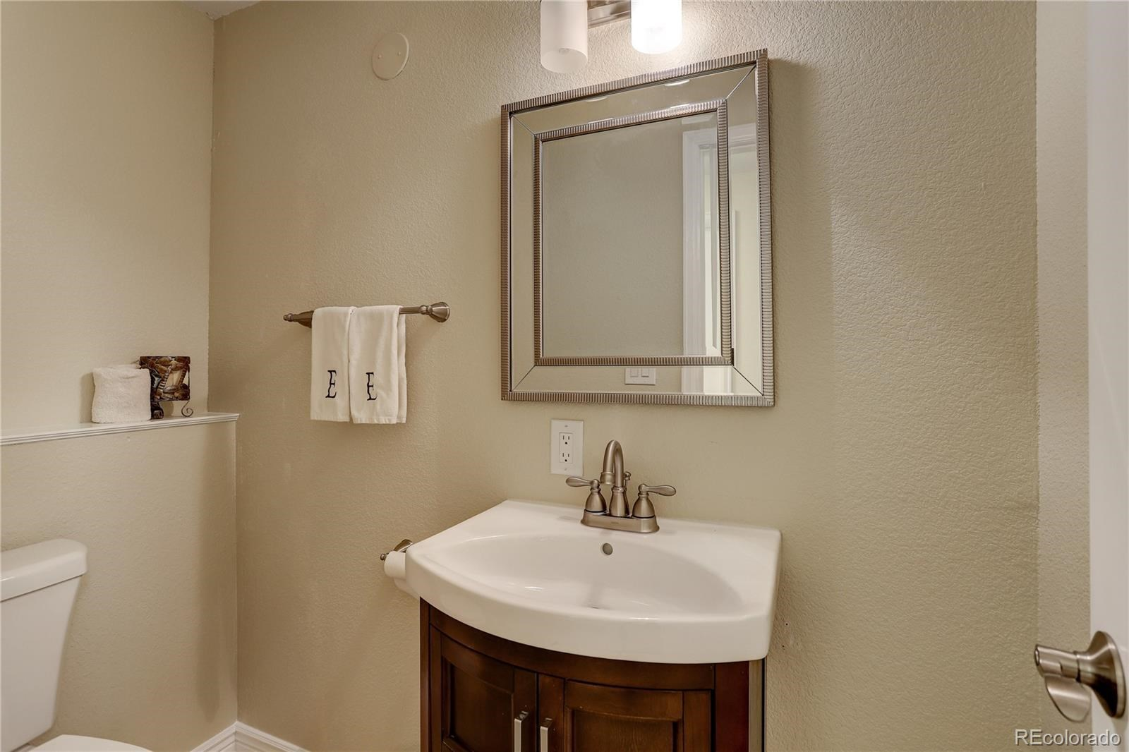 MLS# 8545425 - 36 - 7598 S Country Club Parkway, Aurora, CO 80016