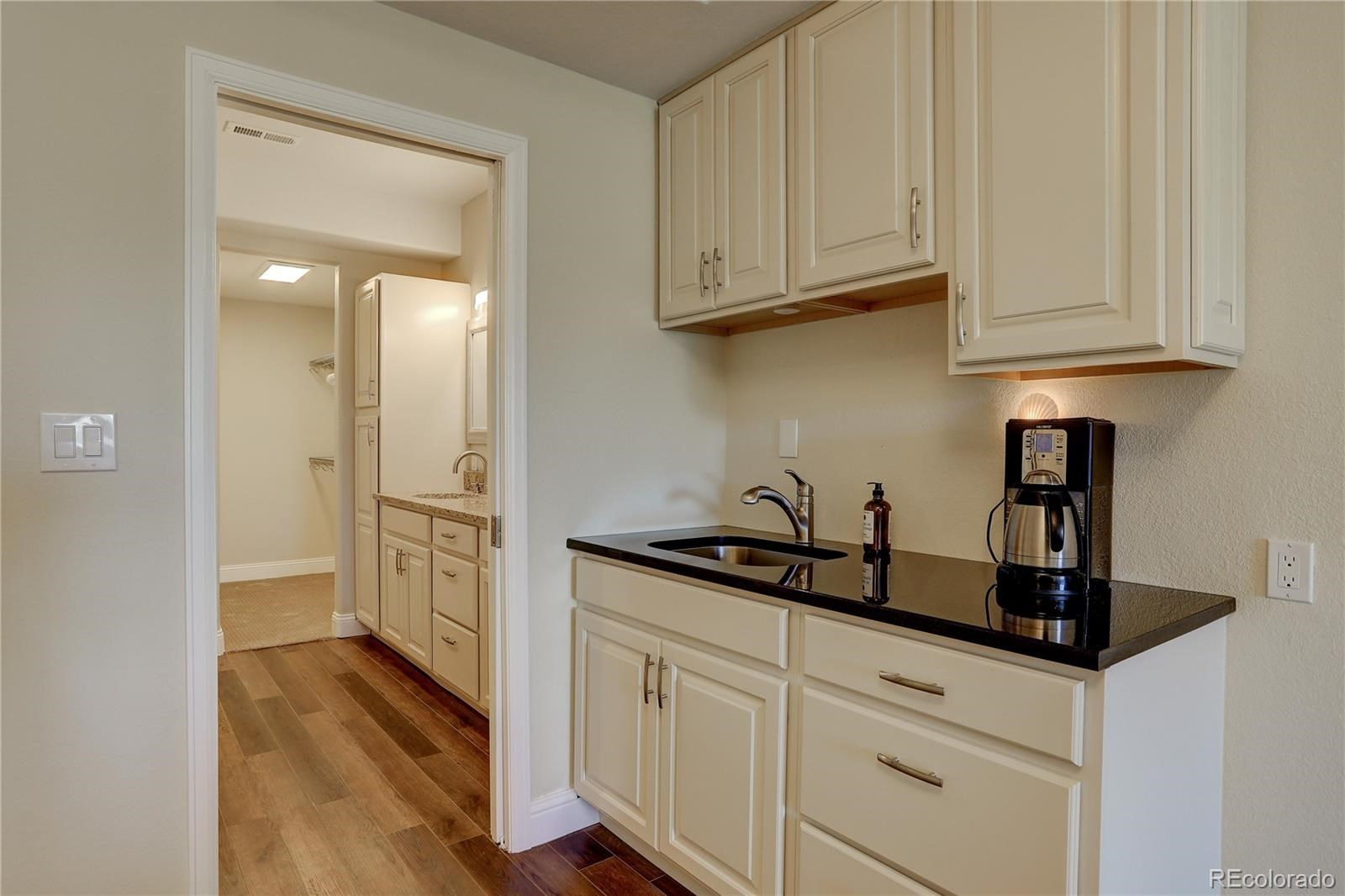 MLS# 8545425 - 10 - 7598 S Country Club Parkway, Aurora, CO 80016