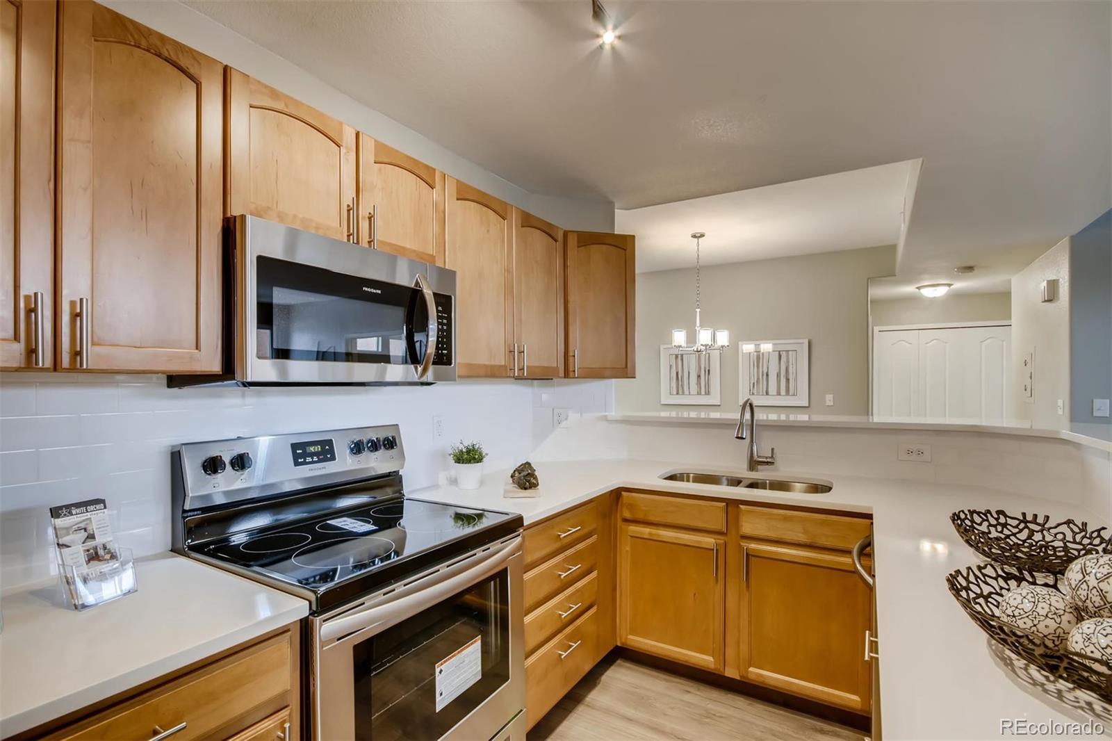 MLS# 8795072 - 8 - 990 S Locust Street #C, Denver, CO 80224