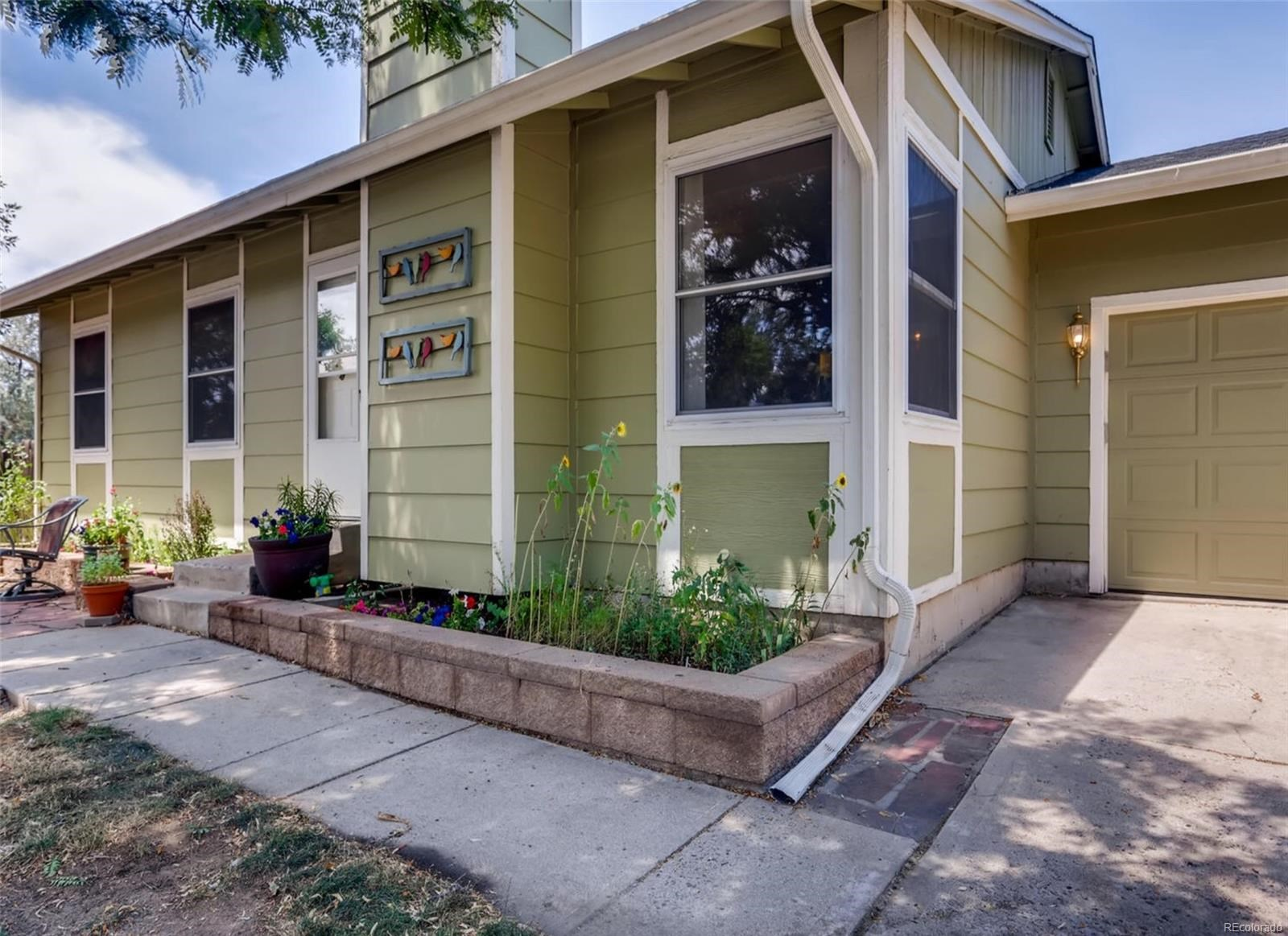 MLS# 8877836 - 2 - 16703 E Kenyon Drive, Aurora, CO 80013