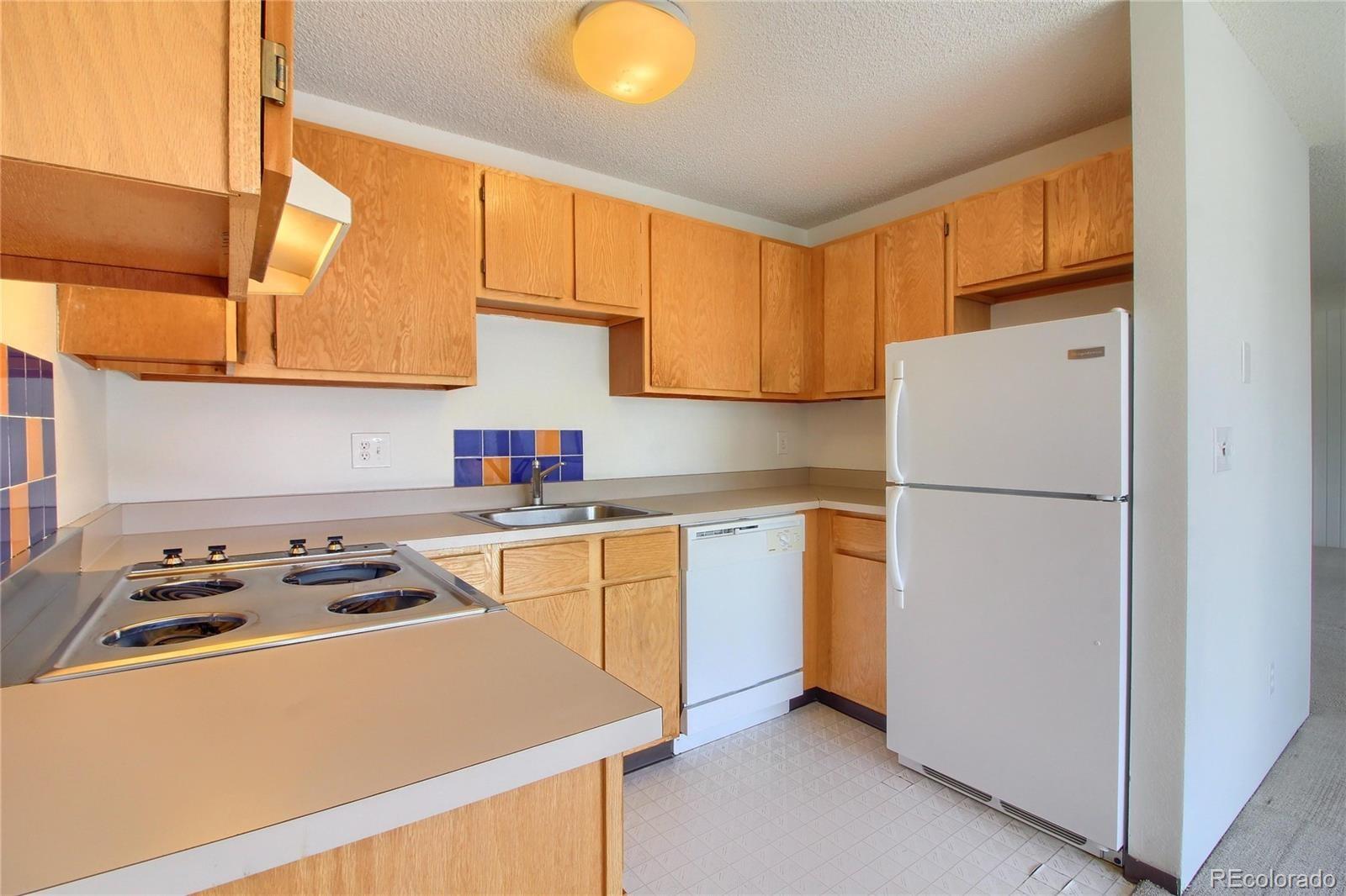 MLS# 8942886 - 10 - 3315 Chisholm Trail #302, Boulder, CO 80301