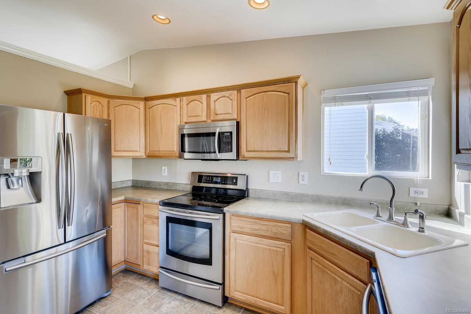 MLS# 9068218 - 10 - 7725 Mule Deer Place, Littleton, CO 80125