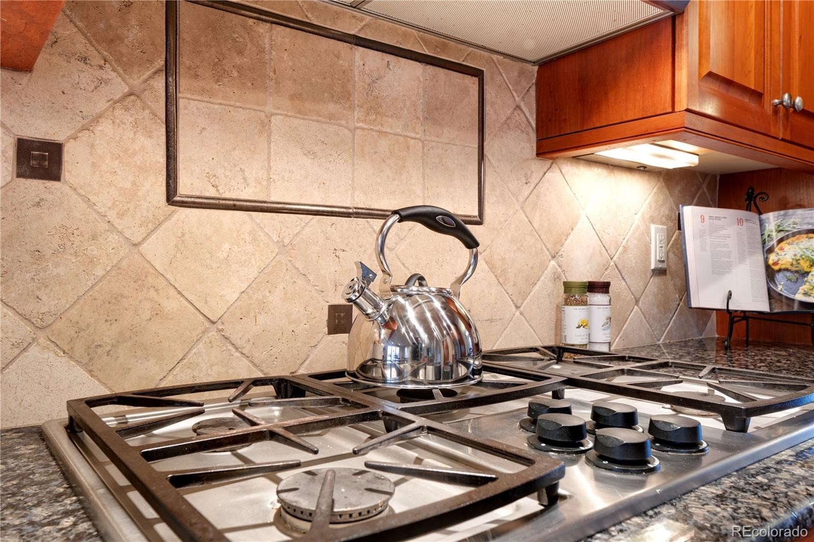 MLS# 9170952 - 14 - 1412 Onyx Circle, Longmont, CO 80504