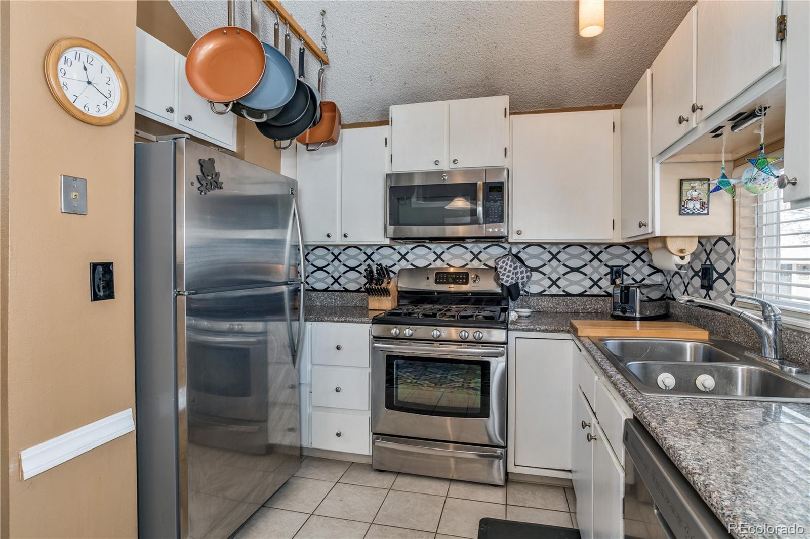 MLS# 9195470 - 11 - 10075 E Peakview Avenue, Englewood, CO 80111