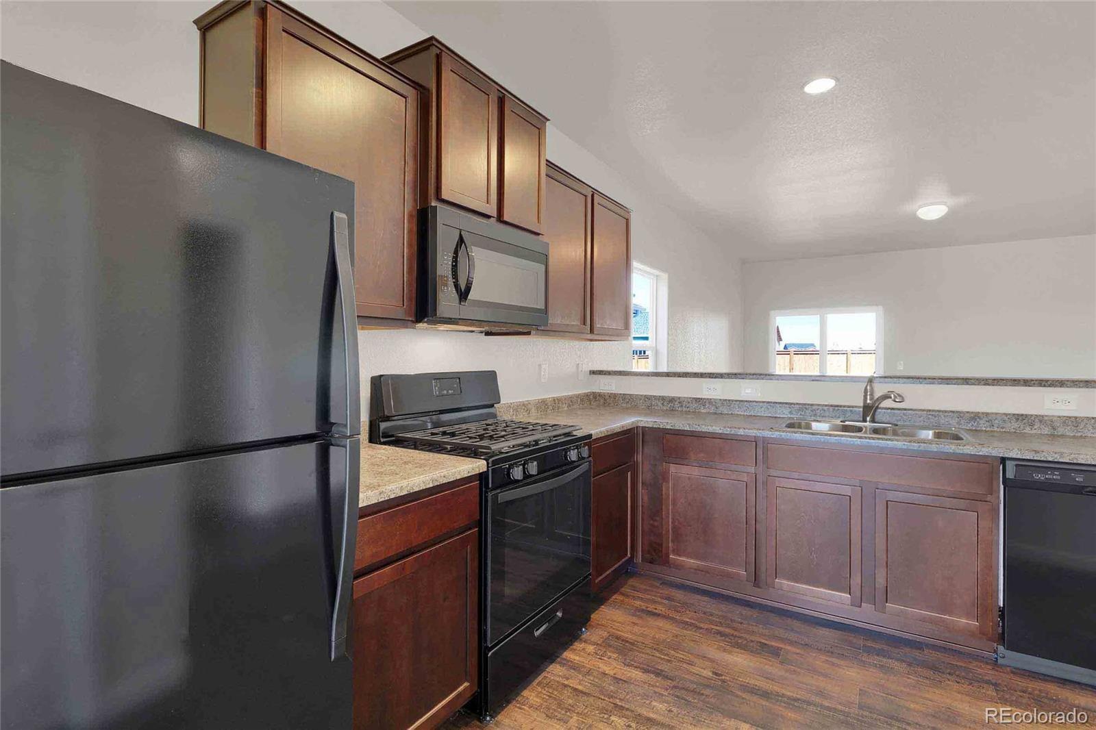 MLS# 9232644 - 3 - 47352 Lilac Avenue, Bennett, CO 80102