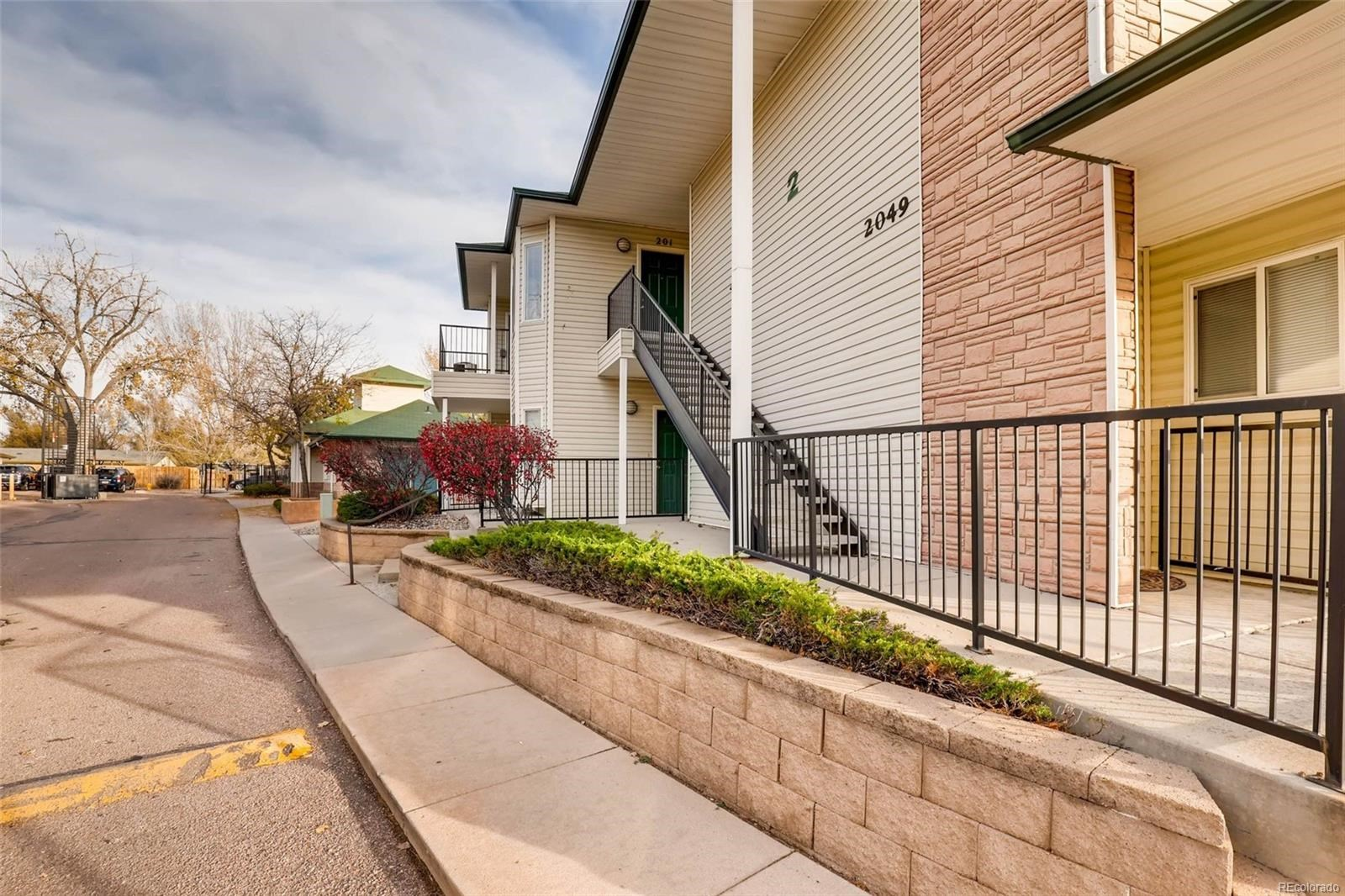 MLS# 9808696 - 2 - 2049 Legacy Ridge View, Colorado Springs, CO 80910