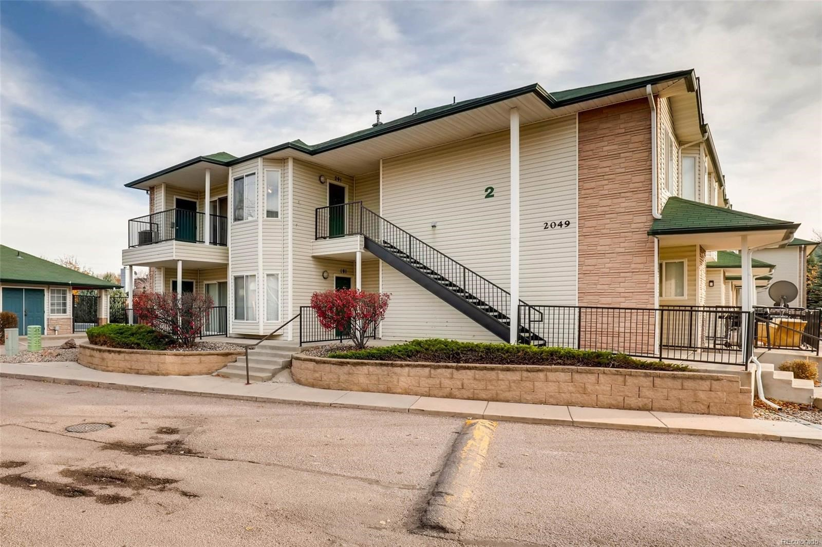 MLS# 9808696 - 3 - 2049 Legacy Ridge View, Colorado Springs, CO 80910