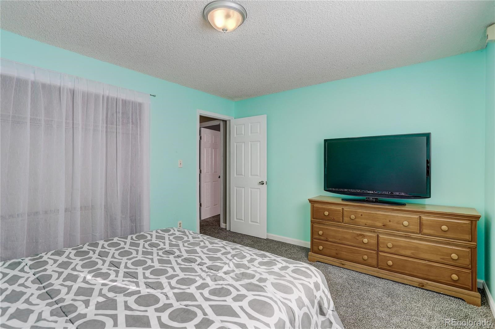 MLS# 9874804 - 1 - 2205  Smith Drive, Longmont, CO 80501