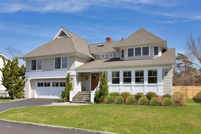 7 Lighthouse Lane, Old Greenwich, CT 06870 - #: 105958