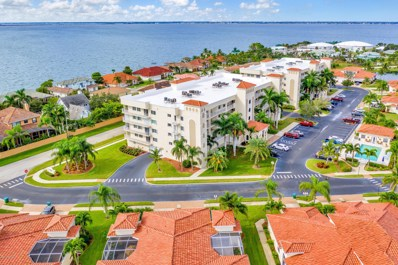 551 Casa Bella Drive UNIT 201, Cape Canaveral, FL 32920 - #: 827857