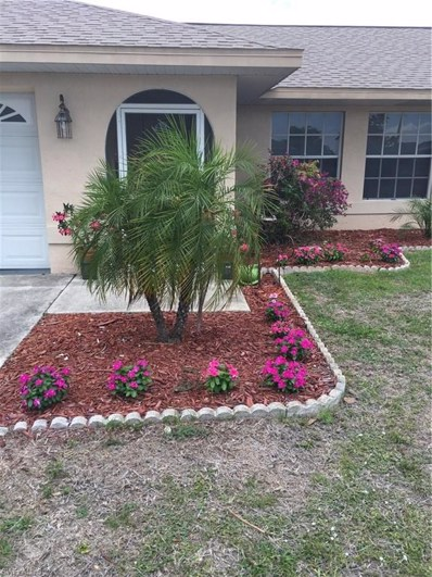 33 Crestwood E CIR, Lehigh Acres, FL 33936 - MLS#: 218033555