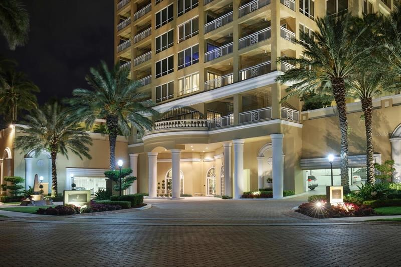 35 WATERGATE DR #1402,