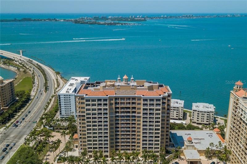 35 WATERGATE DR #1803,