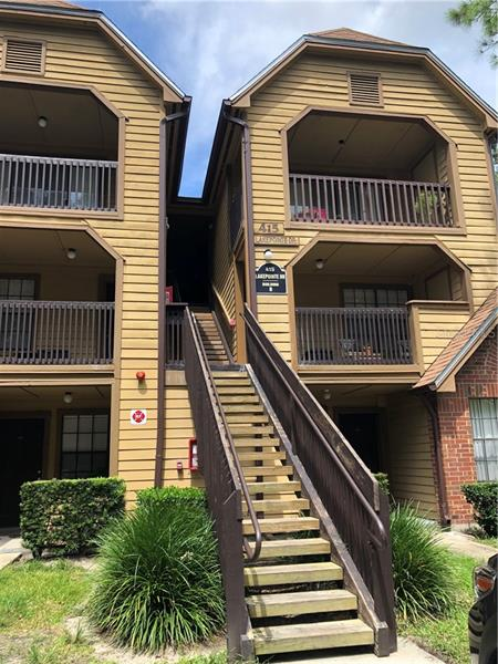 415 LAKEPOINTE DR #109,