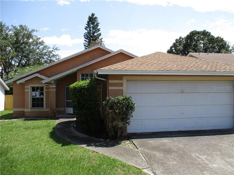1096 SUGARBERRY TRL,