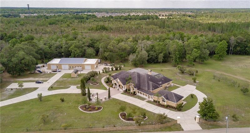 4421 REAVES RD,