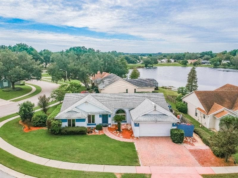 1566 COUNTRY CT,