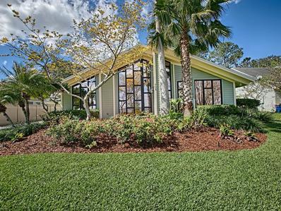 703 N Lakeshore Boulevard, Howey In The Hills, FL 34737 - MLS#: G4853802