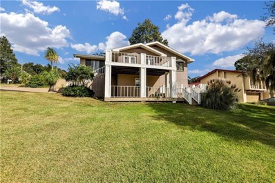 2209 E Crooked Lake Drive, Eustis, FL 32726 - MLS#: G5007619