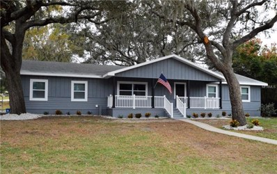 860 Oak Drive, Groveland, FL 34736 - MLS#: G5009855
