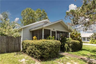 421 N Barrow Avenue, Tavares, FL 32778 - MLS#: O5531614