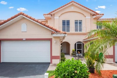 8426 Maria Court UNIT 10, Cape Canaveral, FL 32920 - MLS#: O5700931