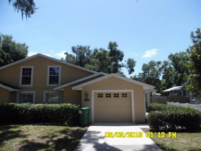 305 W Fountain Street, Fruitland Park, FL 34731 - MLS#: O5703074