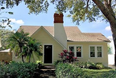 2414 Woodlawn Circle W, St Petersburg, FL 33704 - MLS#: U7842045