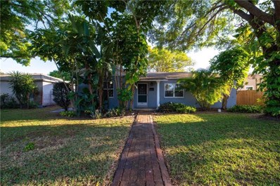 542 40TH Avenue NE, St Petersburg, FL 33703 - MLS#: U8037715