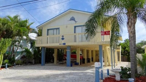 2111 AVENUE C, BRADENTON BEACH