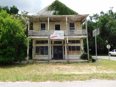Interlachen, FL home for sale located at 201 Commonwealth Ave, Interlachen, FL 32148