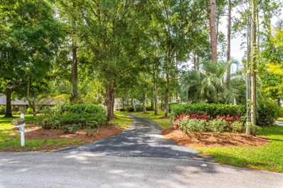 St Augustine, FL home for sale located at 5725 Crosswinds Cir, St Augustine, FL 32092