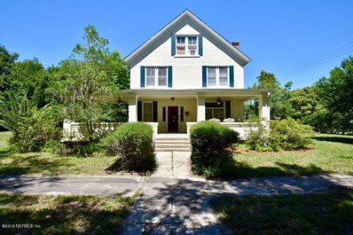 Crescent City, FL home for sale located at 325 N Park St, Crescent City, FL 32112