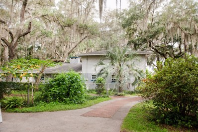 Hawthorne, FL home for sale located at 106 E Cowpen Lake Point Rd, Hawthorne, FL 32640