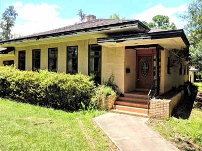 Starke, FL home for sale located at 609 W Call St, Starke, FL 32091