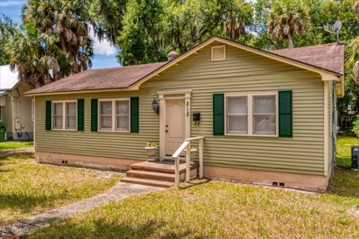 Palatka, FL home for sale located at 212 S 4TH St, Palatka, FL 32177