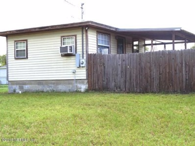 Interlachen, FL home for sale located at 710 Lenore Ave, Interlachen, FL 32148