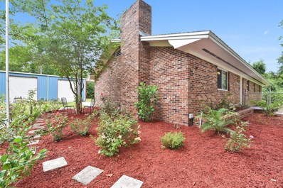 Hilliard, FL home for sale located at 36174 Pine St, Hilliard, FL 32046