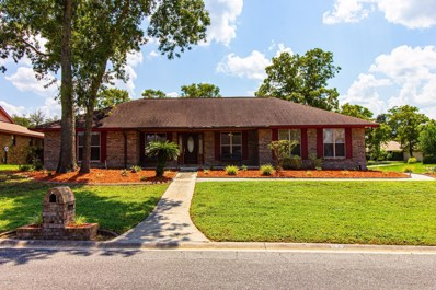 Orange Park, FL home for sale located at 922 Ridgewall Ct, Orange Park, FL 32065
