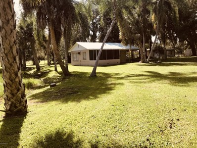Crescent City, FL home for sale located at 137 Kolski Dr, Crescent City, FL 32112
