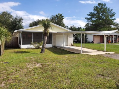 Interlachen, FL home for sale located at 102 Park Rd, Interlachen, FL 32148